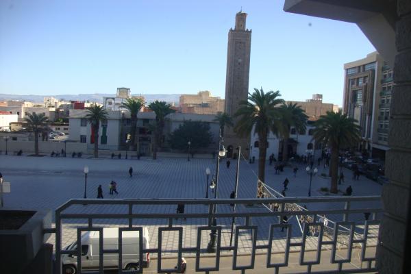 Grand appartement bureau a 35 km europe maroc immobilier for Grand bureau